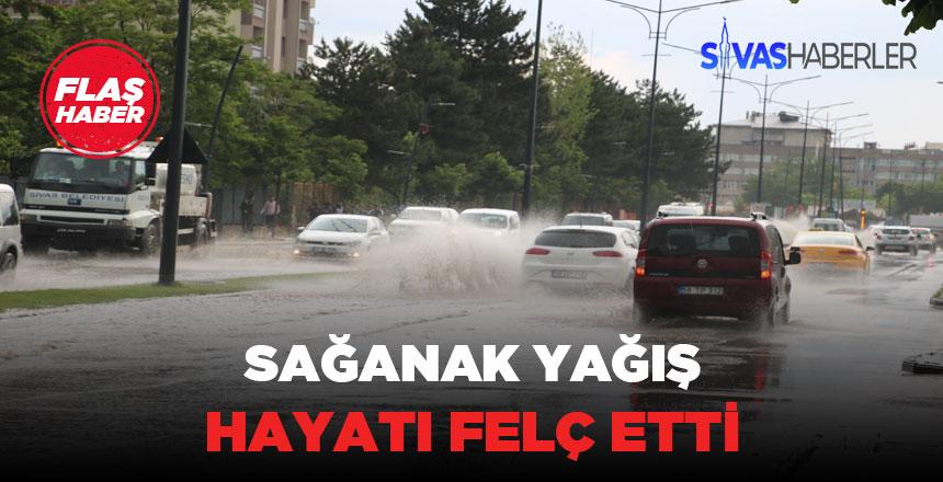 Sivas şehir merkezi yağmura yenik düştü