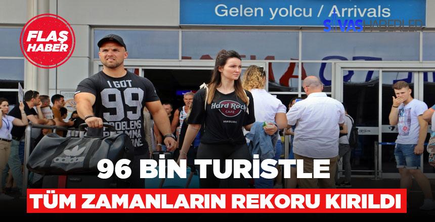 Antalya'ya rekor turist geldiği belirlendi