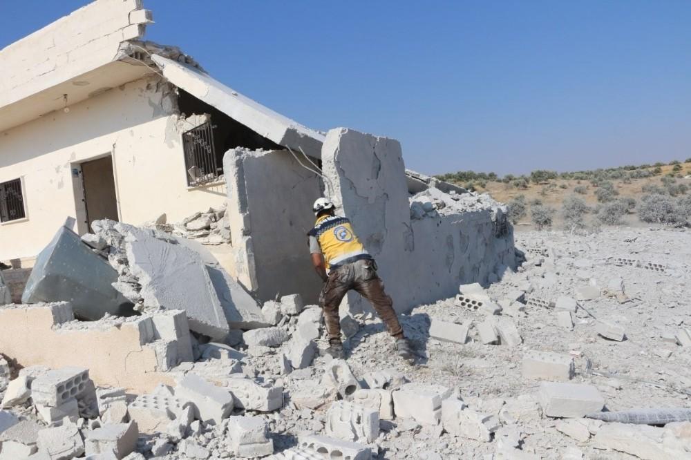 Esad rejimi İdlib'i bombalamaya devam ediyor: 6 ölü