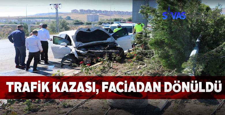 Sivas'ta trafik kazası faciadan dönüldü
