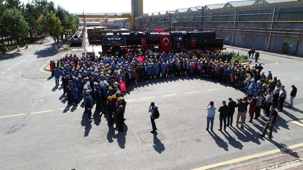Bozkurt lokomotifi önünde Mehmetçik için dua edildi