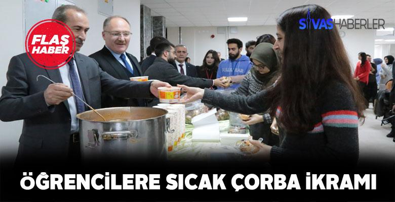 Sivas'ta final haftasına giren öğrencilere sıcak çorba desteği