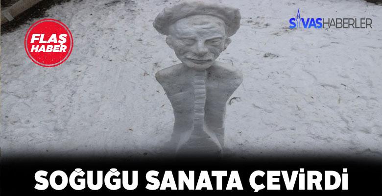 Sivas'ta karlarla Aşık Veysel heykeli dikildi