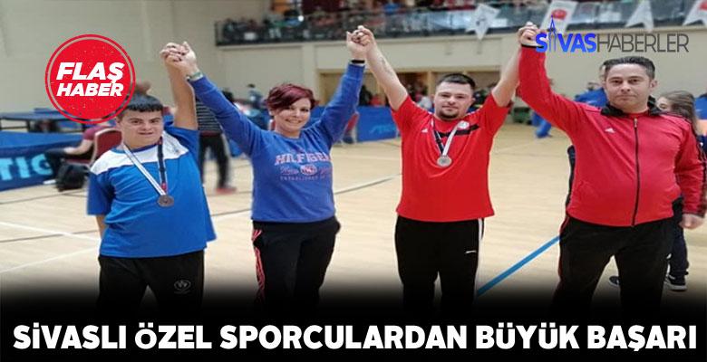 Engelleri aşan sporcular Sivas'a 2 madalyayla döndü