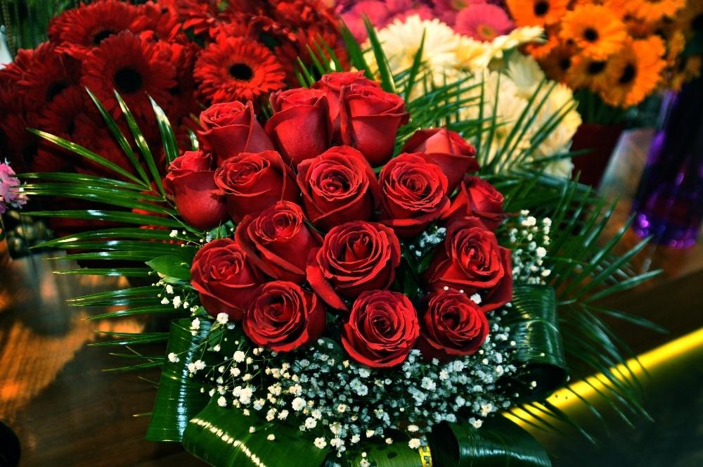 Çiçekçiler Sevgililer Günü'nde rekor satış bekliyor