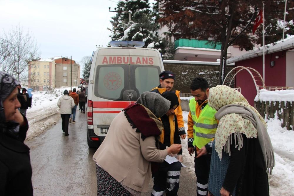Elektrik trafosunun patlaması 2 kişiyi hastanelik etti